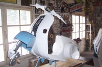 RESTAURATION SCOOTER VESPA PK80 DE 1984